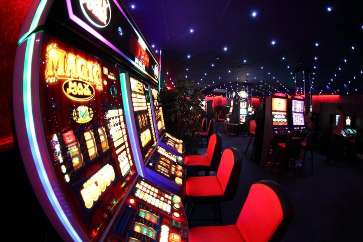 Играть игровые автоматы roulette что такое поинты в казино плей фортуна
